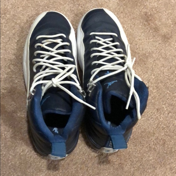 Jordan Shoes - Retro Jordan 12 Youth Size 6 (Women s 7.5) 8c290897e
